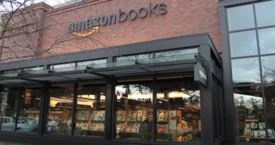 Amazon: More Bookstores in The US